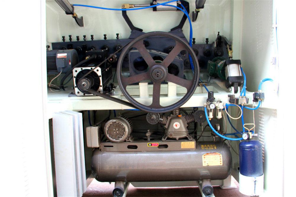 CNC Drahtbiegemaschine4